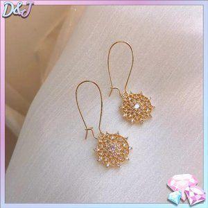 💎✨ 925 Medallion Drop Earrings